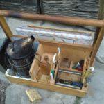 La cassetta degli attrezzi dell'apicoltore