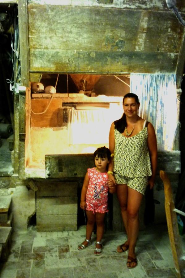Josephine en Tatiana in Currada molen