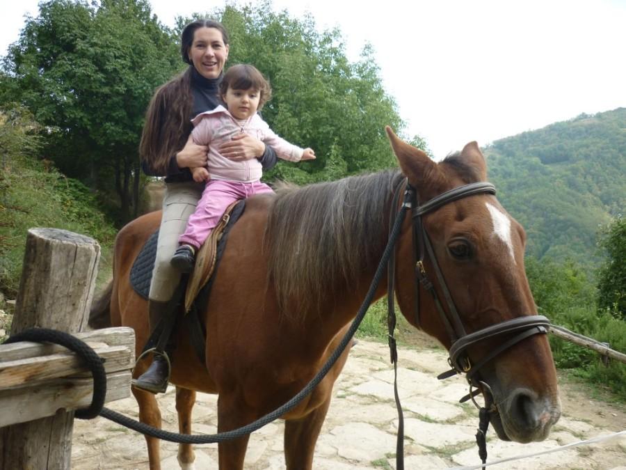 Tatiana e Joséphine sul cavallo Max - 2013