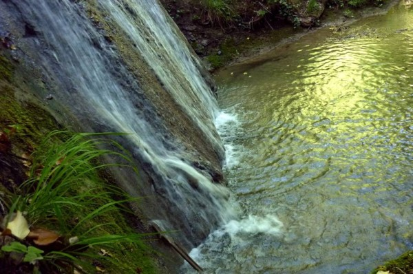 Il piccolo lago fra le due cascate del Riolco