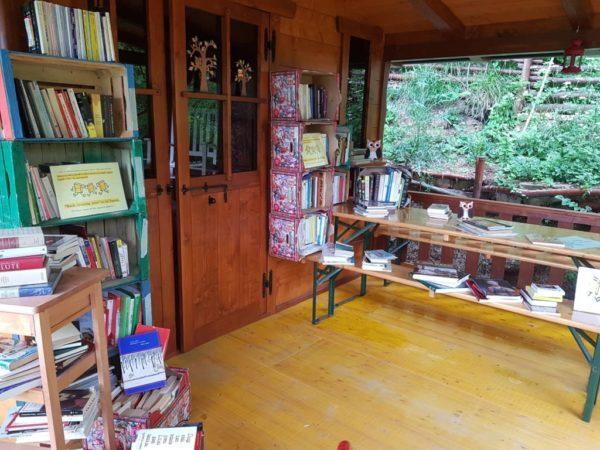 Book crossing zone nella Val Tassaro