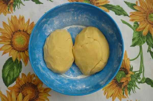 dividere la pasta in due parti