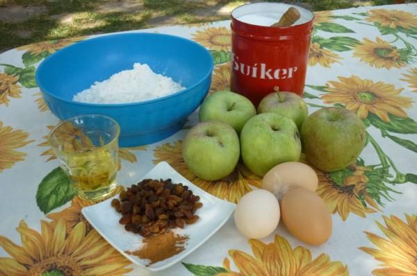 ingredienti per una torta di mele